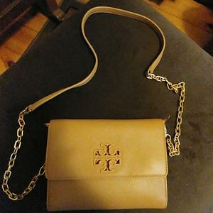 Chain wallet crossbody